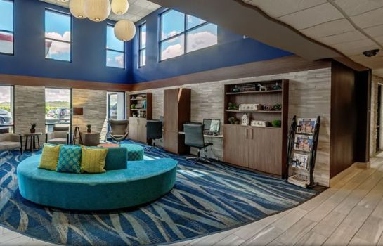 Vestíbulo del hotel Maplewood Suites Extended Stay- Syracuse/Airport
