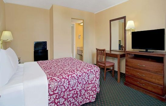 Zimmer Days Inn by Wyndham Alexandria South
