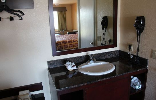 Bagno in camera Budget Inn Santa Ana