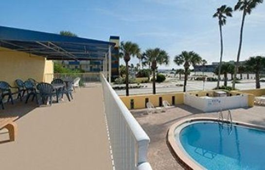 Zimmer Days Inn by Wyndham Cocoa Beach Port Canaveral