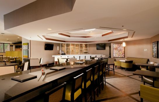 Restaurant DoubleTree Suites by Hilton Hotel Charlotte - Southpark