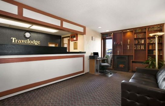 Hall Travelodge Inn and Suites Muscatine