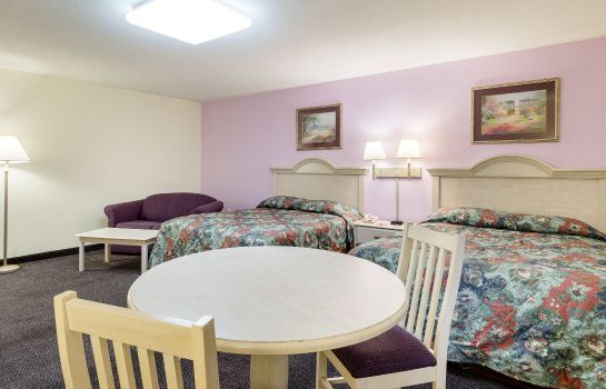 Zimmer Econo Lodge Sutton