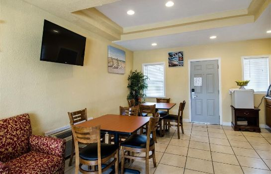 Restaurant Econo Lodge West Yarmouth