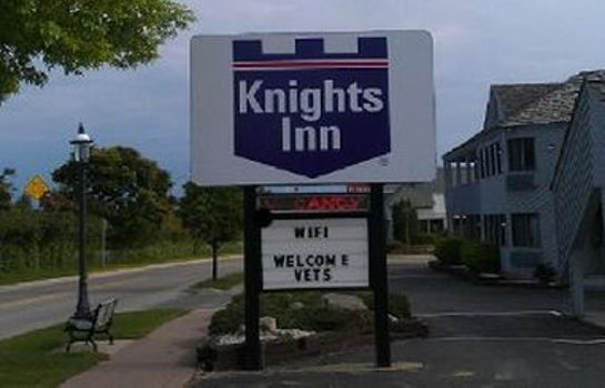 Außenansicht Knights Inn Mackinaw City