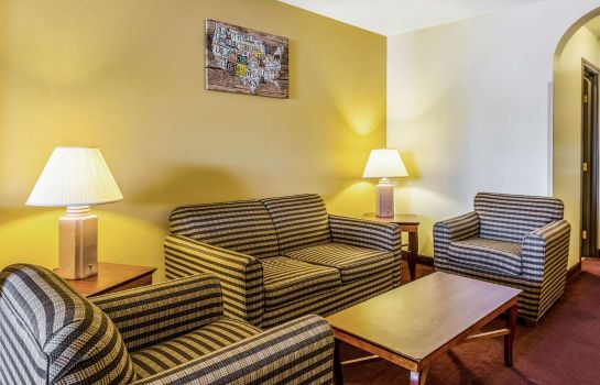 Suite Econo Lodge Inn and Suites Albuquerque