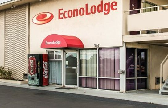 Exterior view Econo Lodge Findlay