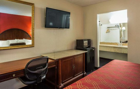 Zimmer Econo Lodge Fort Jackson