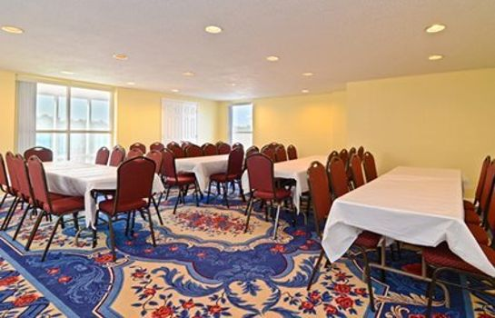 Conference room Quality Inn & Suites Near Ft. Belvoir