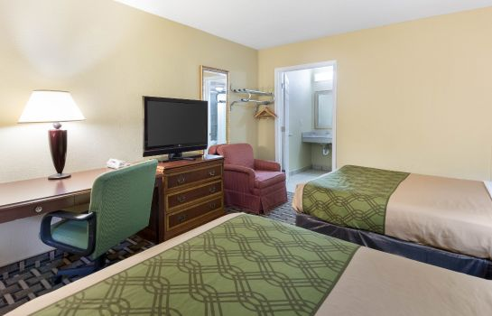 Habitación Econo Lodge Town Center