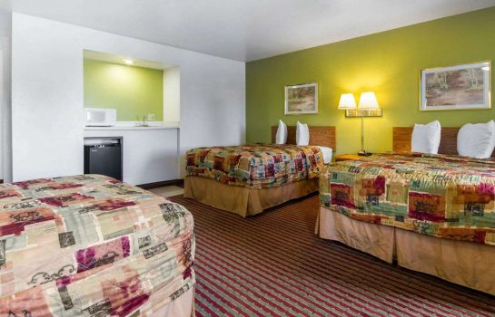 Zimmer Econo Lodge Madison