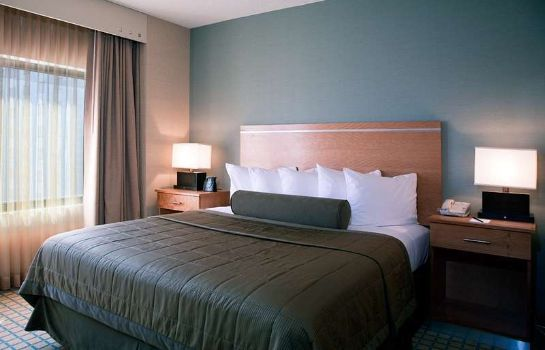 Zimmer Embassy Suites by Hilton Chicago O*Hare Rosemont