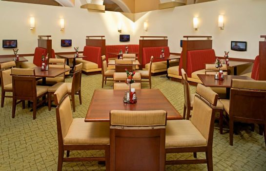 Restaurant Embassy Suites by Hilton Dallas Park Central Area
