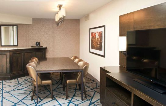Room Embassy Suites by Hilton Detroit Livonia Novi