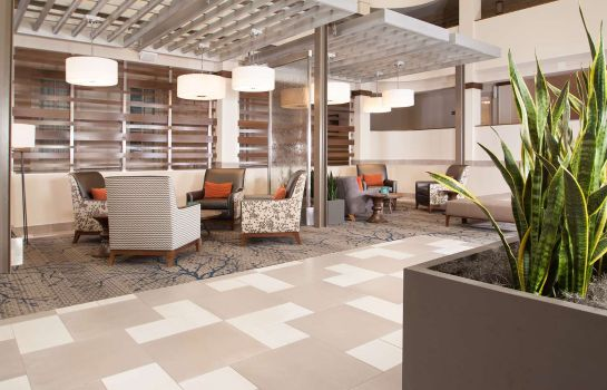 Vestíbulo del hotel Embassy Suites by Hilton Bloomington-Minneapolis