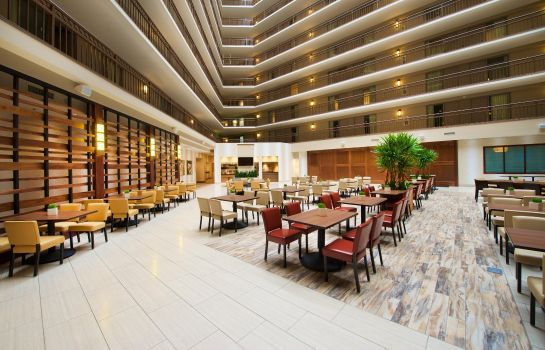 Hall Embassy Suites by Hilton Portland Washington Square