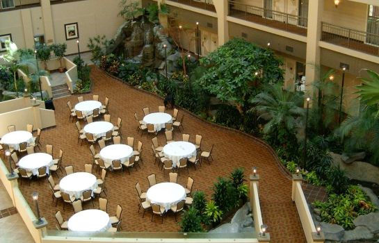 Restaurant Embassy Suites by Hilton Seattle-Bellevue
