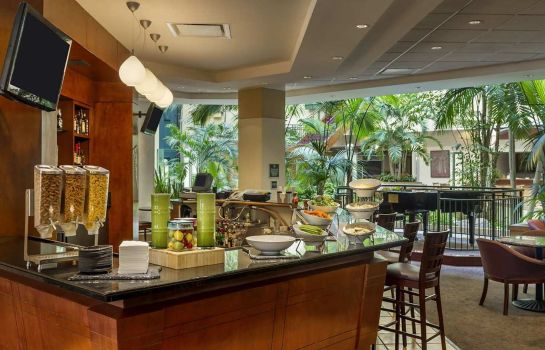 Bar hotelowy Embassy Suites by Hilton Tampa USF Near Busch Gardens
