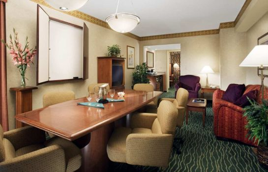 Suite Embassy Suites by Hilton Tampa USF Near Busch Gardens