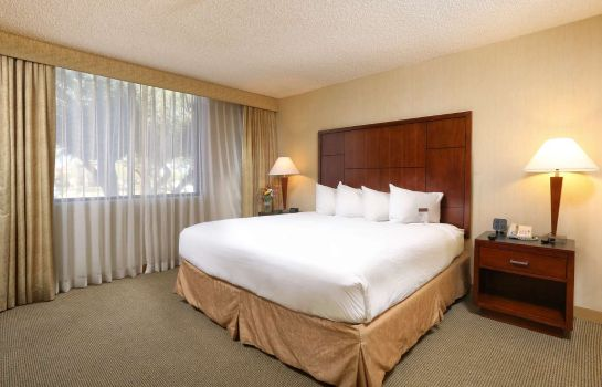 Zimmer DoubleTree Suites by Hilton Tucson Airport
