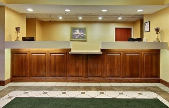 Hall Quality Inn and Suites Niles