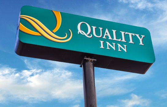 Exterior view Quality Inn Airport