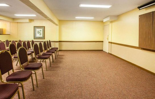 Conference room Quality Inn Airport