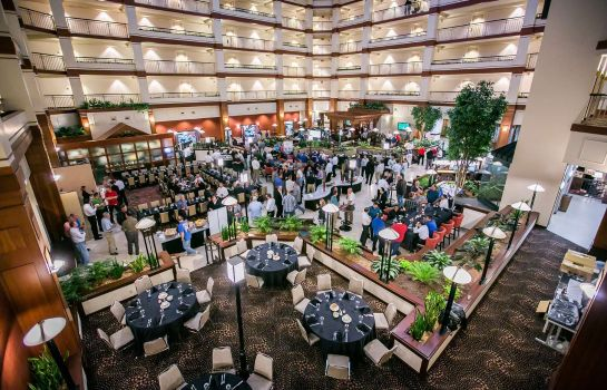 Information Embassy Suites by Hilton Auburn Hills