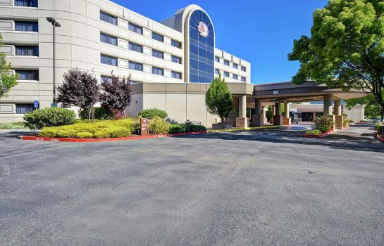 Außenansicht DoubleTree by Hilton Pleasanton at the Club