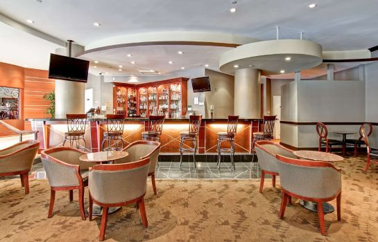 Hotel-Bar DoubleTree by Hilton Pleasanton at the Club