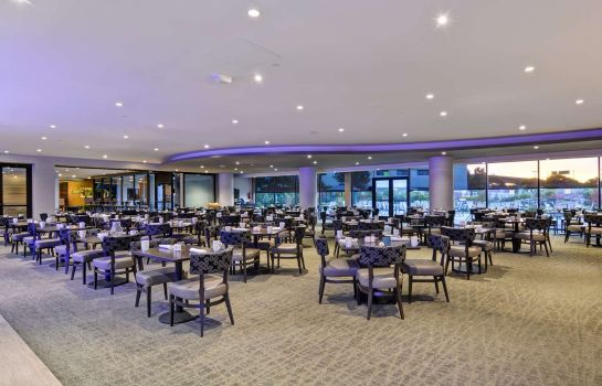 Restaurant DoubleTree by Hilton Pleasanton at the Club
