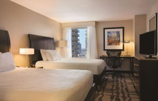 Camera Hilton Garden Inn Chicago Downtown-Magnificent Mile