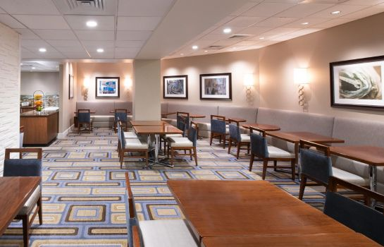 Info Hilton Crystal City at Washington Reagan National Airport