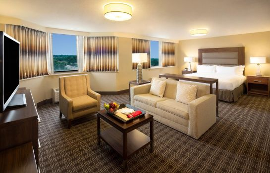 Room Hilton Crystal City at Washington Reagan National Airport