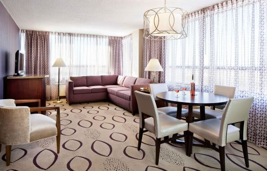 Suite DoubleTree by Hilton Minneapolis North