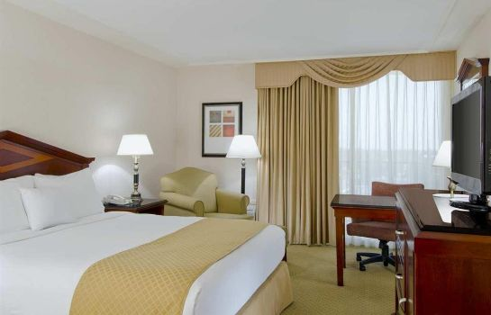 Zimmer DoubleTree by Hilton Torrance - South Bay