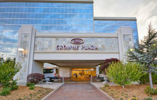 Exterior view Crowne Plaza TULSA - SOUTHERN HILLS