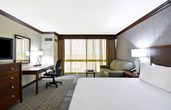 Room Crowne Plaza TULSA - SOUTHERN HILLS