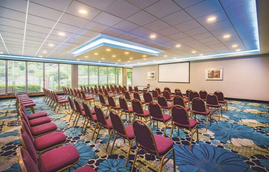 Conference room La Quinta Inn Ste Baltimore South