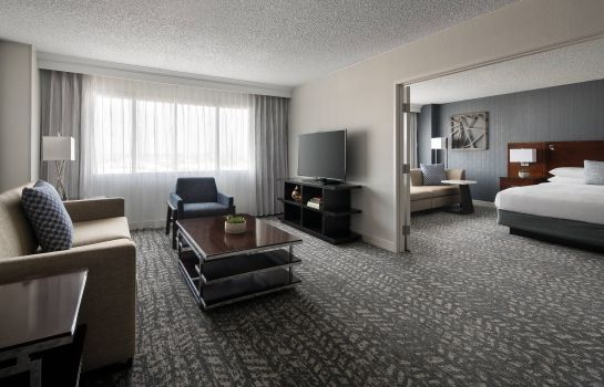 Suite Bakersfield Marriott at the Convention Center