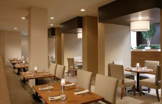 Restaurante DoubleTree by Hilton Columbus - Worthington