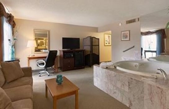 Suite Ramada Plaza by Wyndham Casper Conference Center