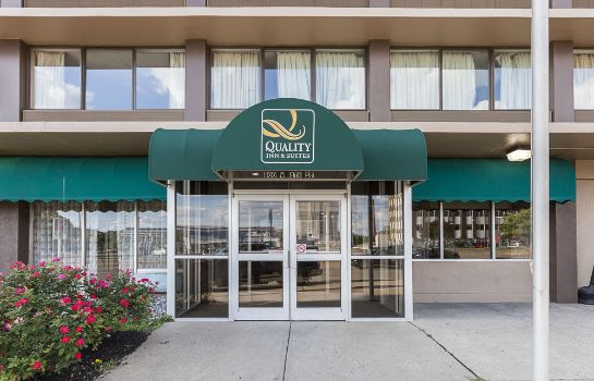 Vista esterna Quality Inn & Suites Cincinnati Downtown