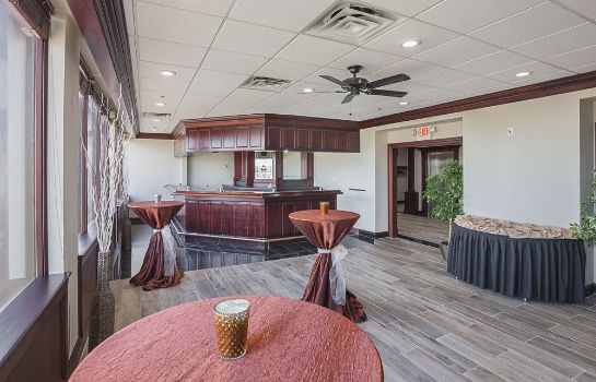 Vista all'interno Quality Inn & Suites Cincinnati Downtown