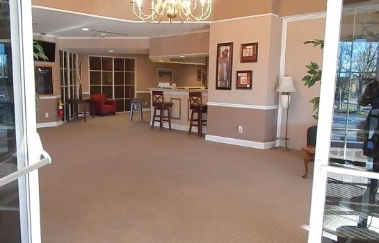 Lobby BUDGETEL INN AND SUITES GAINESVILLE BUDGETEL INN AND SUITES GAINESVILLE