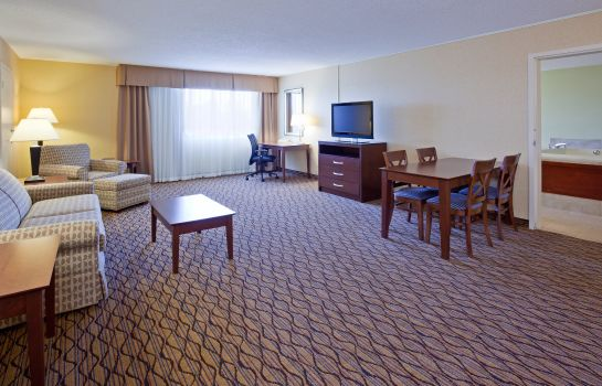 Suite Holiday Inn BLMGTN ARPT SOUTH- MALL AREA