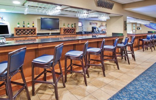 Hotel bar Holiday Inn OCEANFRONT @ SURFSIDE BEACH
