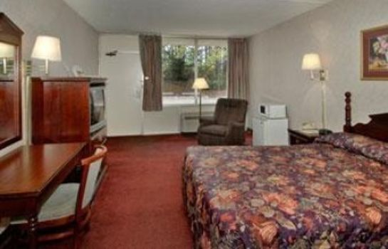 Room HOWARD JOHNSON INN - BIRMINGHA
