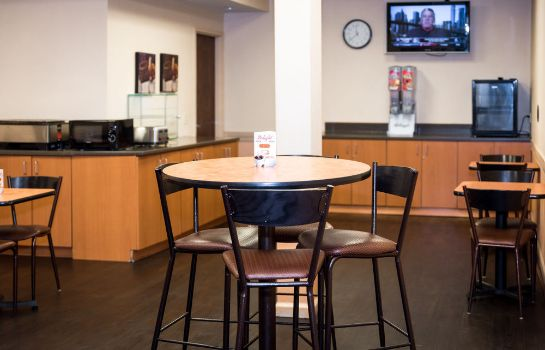 Sala colazione SureStay Plus Hotel by Best Western St. Louis Airport