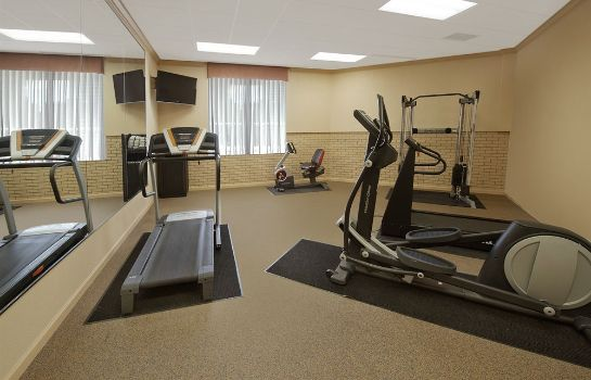 Sporteinrichtungen SureStay Plus Hotel by Best Western St. Louis Airport